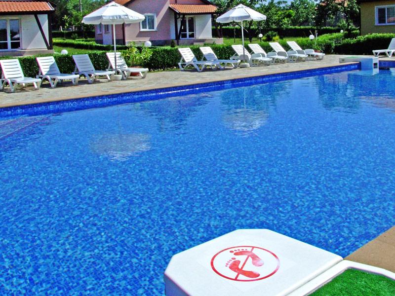 11-pool-2.jpg