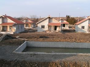 Construction of houses with pool