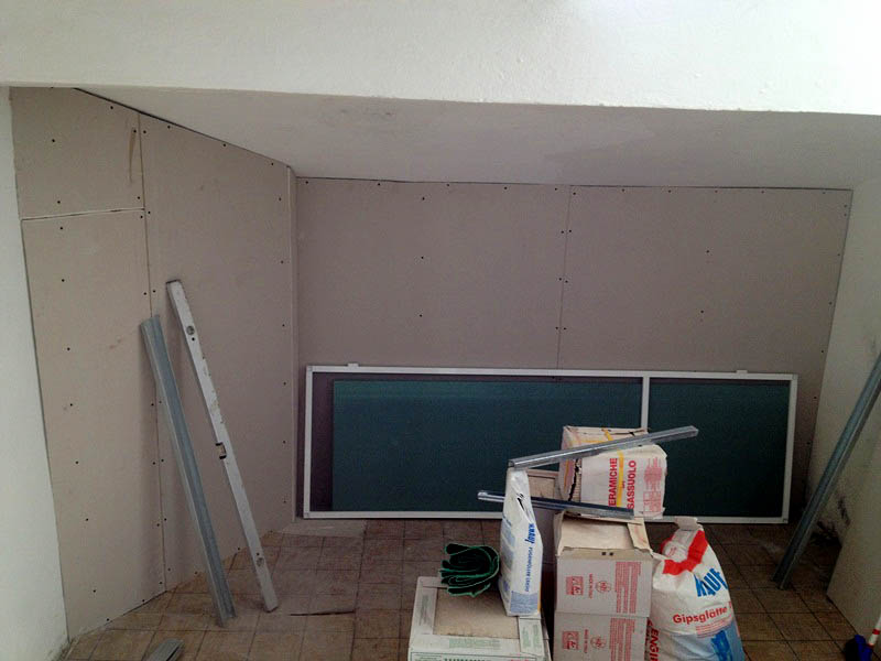 Installing the internal wall insulation